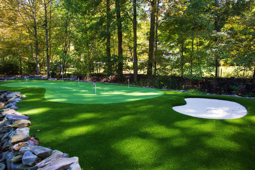 Outdoor golfing putting green